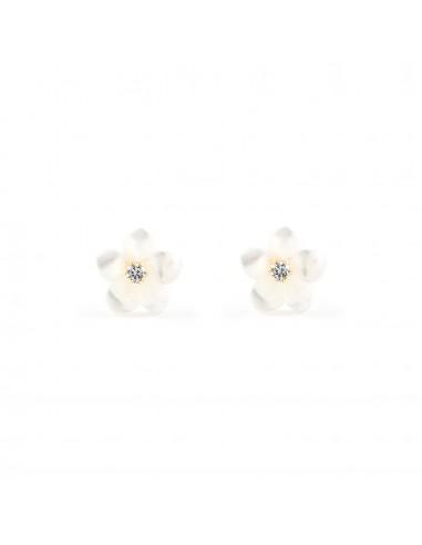 18ct Yellow Gold nacar flower Children's Earrings