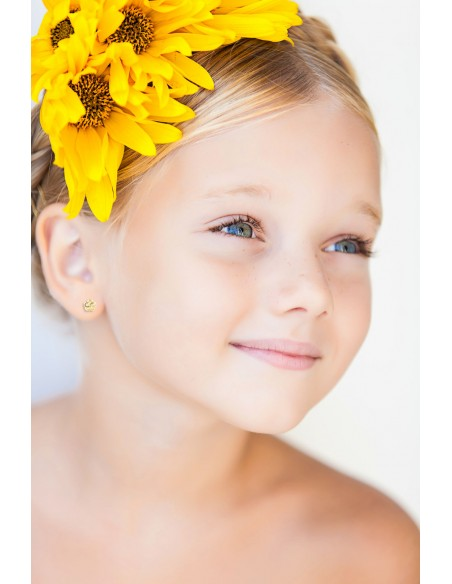 Pendientes niña flor con nacar (9Kts)